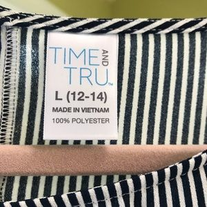 Time and Tru Tops - Time and Tru Blouse